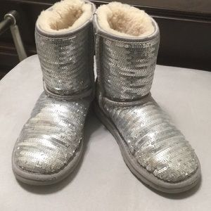 Girls size 2 Ugg Silver Sequin Boots